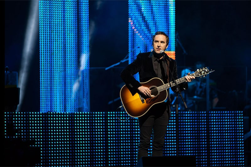 damien leith performs at the premiers gala concert